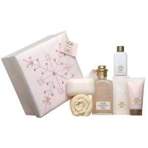 Pampering gift set - perfect for a birthday, anniversary or get well gift
