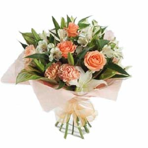 Flowers, roses, bouquets, arrangements and baskets for delivery in the UK